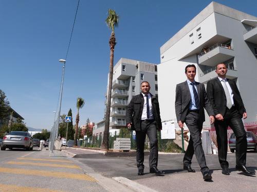 La FNAIM 06 a emménagé à Nice Meridia, « un quartier d'avenir ». De gauche à droite : son secrétaire général William Siksik, son président Frédéric Pelou et son vice-président Cyril Messika.C. C.